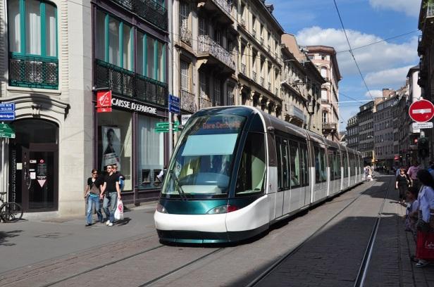 tramwaj transport publiczny